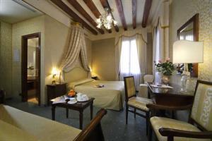 Holidays at Ca Doro Hotel in Venice, Italy