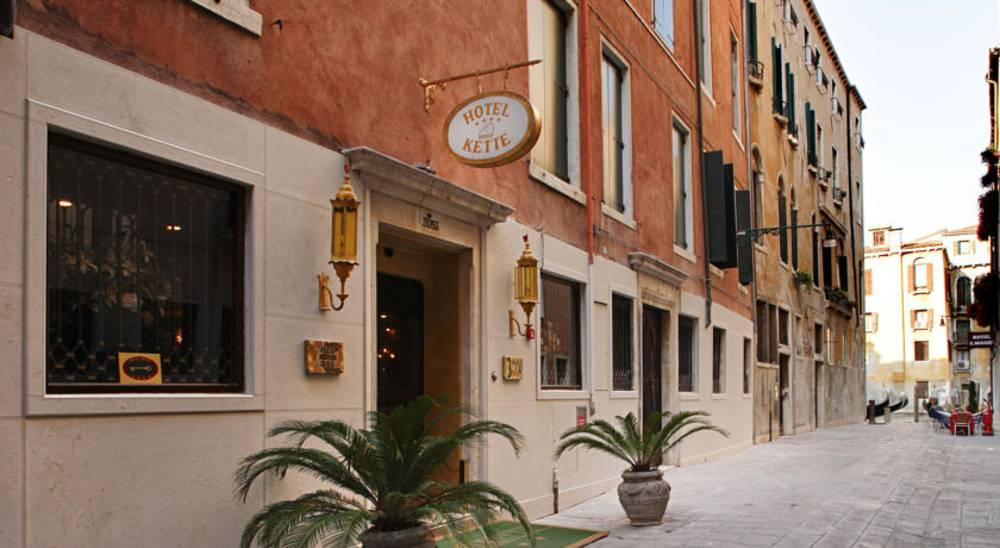 Holidays at Kette Hotel in Venice, Italy