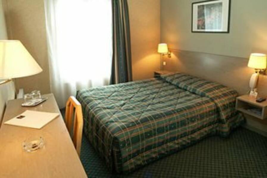 Holidays at Best Western Le Montparnasse Hotel in Latin Quarter & St Germain (Arr 5 & 6), Paris