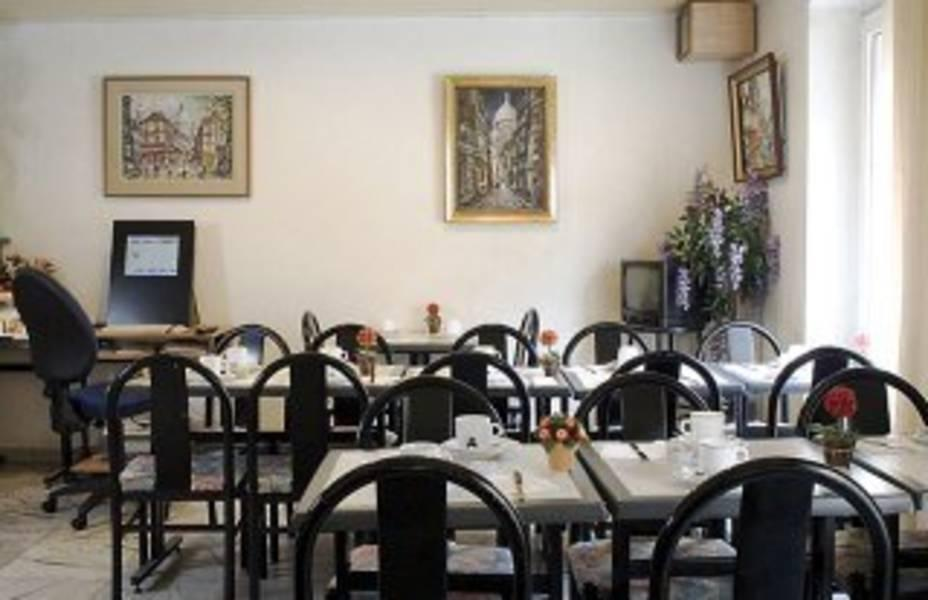 Holidays at Contact Hotel Alize Montemarte in Opera & St Lazare (Arr 9), Paris