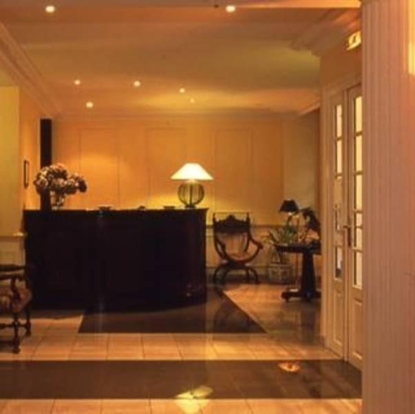 Holidays at Les Trois Poussins Hotel in Opera & St Lazare (Arr 9), Paris