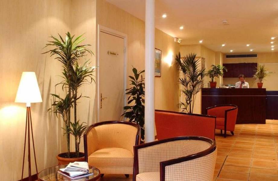Holidays at Paris Eiffel Cambronne Hotel in Montparnasse & Tour Eiffel (Arr 14 & 15), Paris
