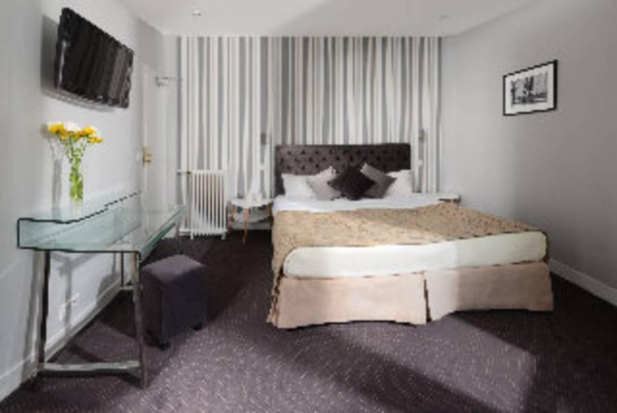 Holidays at Batignolles Hotel in Arc De Triomphe & Pte Maillot (Arr 17), Paris