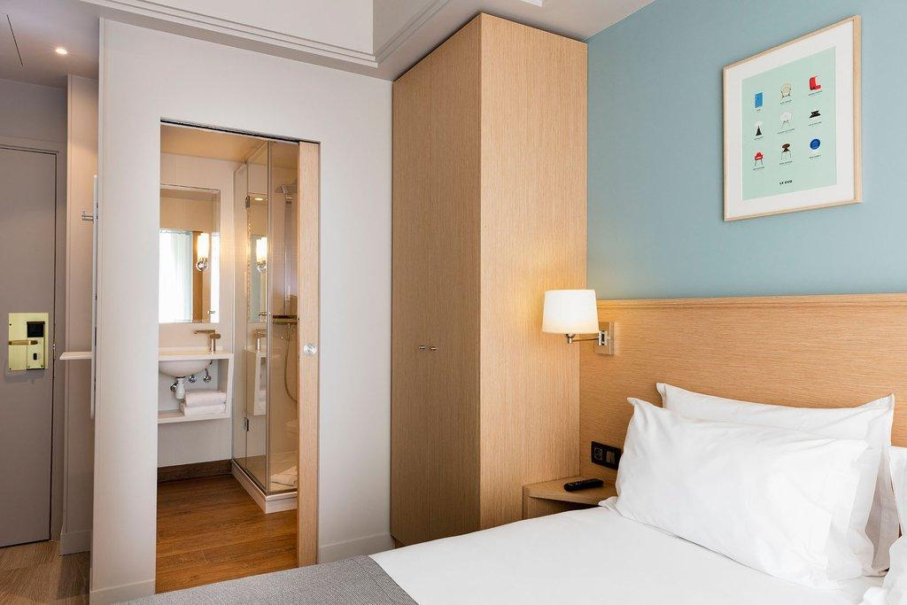 Holidays at Magellan Hotel in Arc De Triomphe & Pte Maillot (Arr 17), Paris