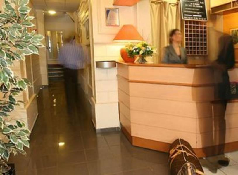 Holidays at Amarys Simart Hotel in Montmartre & Sacre Coeur (Arr 18), Paris