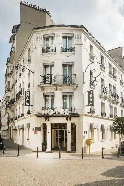 Holidays at Charlemagne Hotel in West La Defense, Paris