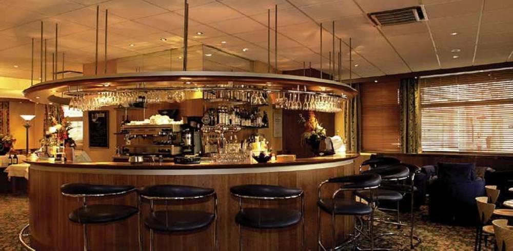 Holidays at Qualys Hotel Nanterre Paris La Defense in West La Defense, Paris