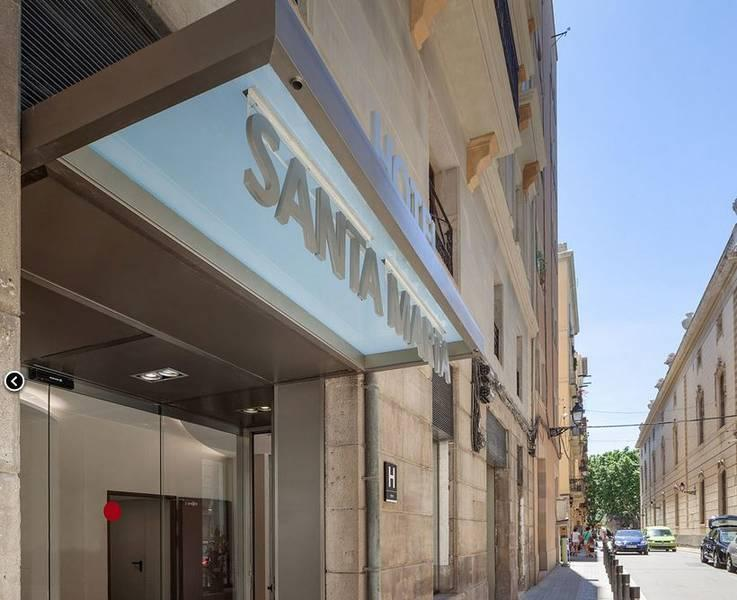 Holidays at Santa Marta Hotel in Gothic Quarter, Barcelona