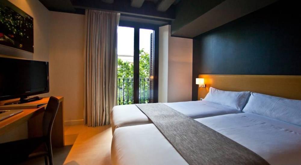 Holidays at Arc La Rambla Hotel in Las Ramblas, Barcelona