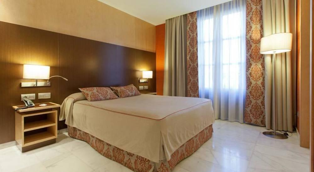 Holidays at Medinaceli Hotel in Las Ramblas, Barcelona