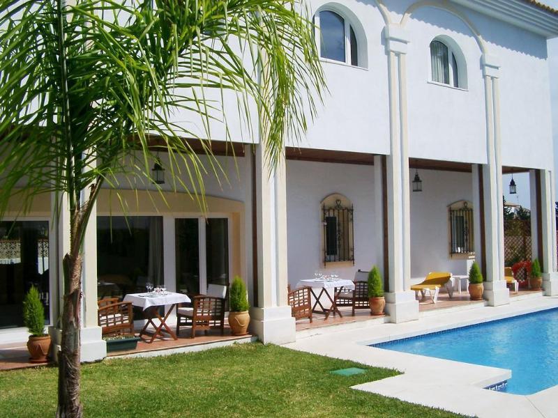 Holidays at La Luna Blanca Hotel in Torremolinos, Costa del Sol