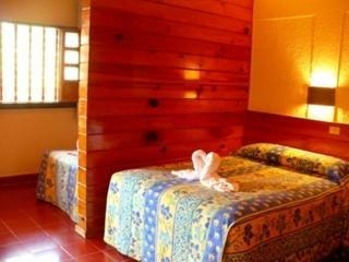 Suites Colonial Hotel