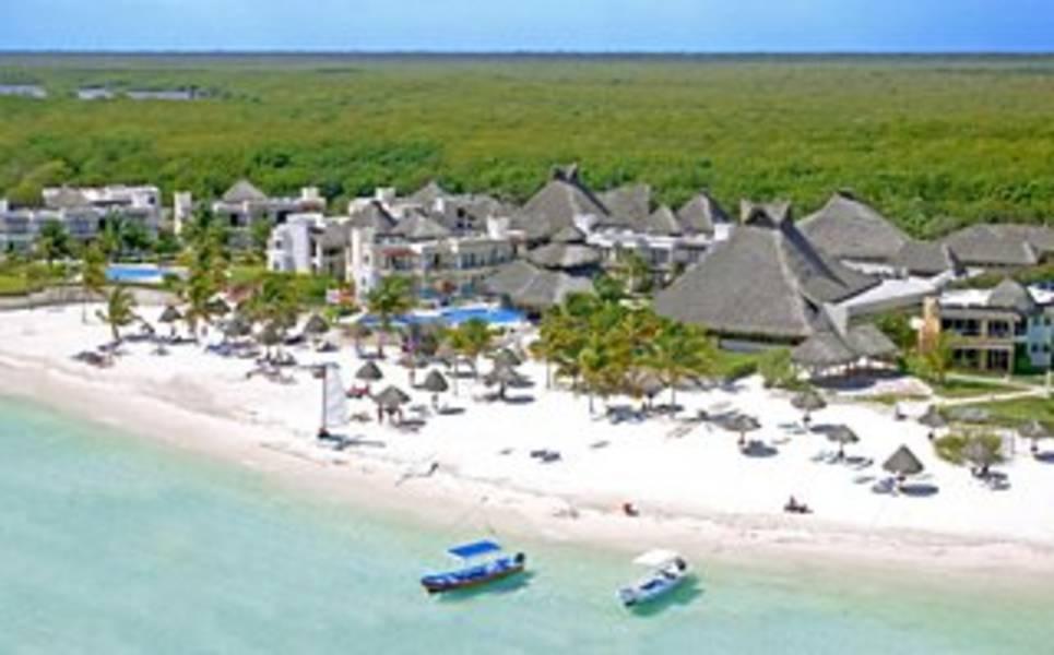 Holidays at Azul Beach Resort Hotel in Puerto Morelos, Riviera Maya