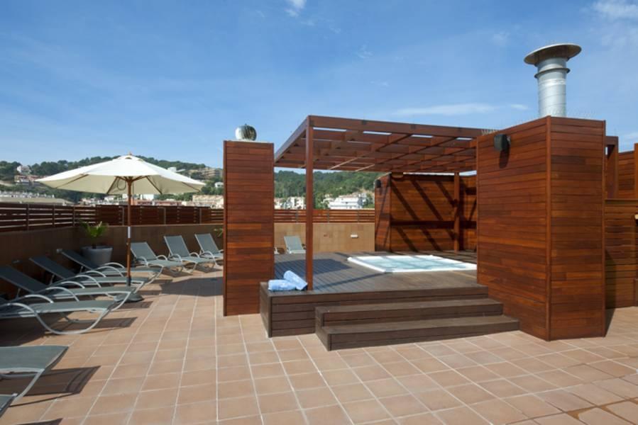 Holidays at Delfin Hotel in Tossa de Mar, Costa Brava