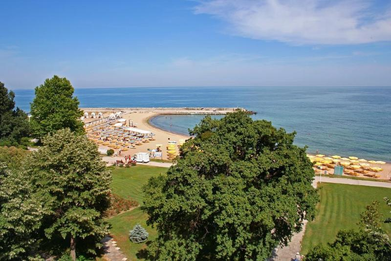 Holidays at Riviera Beach Hotel in Golden Sands, Bulgaria