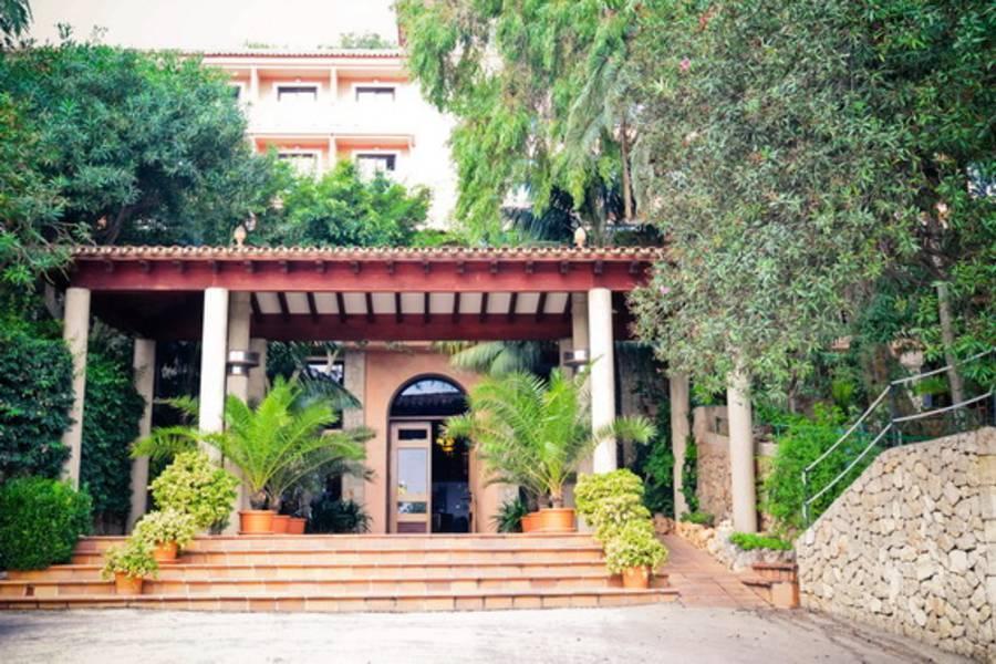 Holidays at Na Taconera Hotel in Font de sa Cala, Majorca