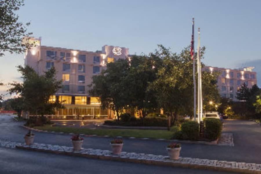 Doubletree Club Bayside Hotel
