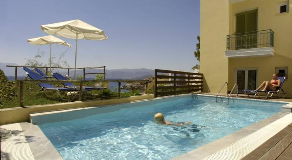 Holidays at Mare and Olympus Apartments in Aghios Nikolaos, Crete
