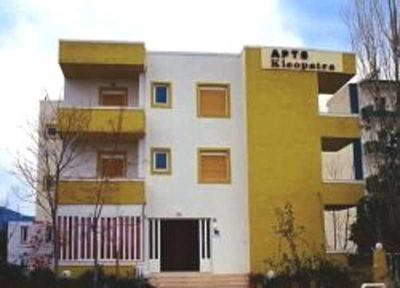 Holidays at Kleopatra Apartments in Amoudara, Crete
