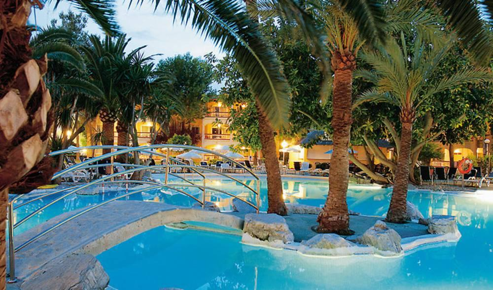 Alcudia Garden Apartments, Alcudia, Majorca, Spain. Book ...