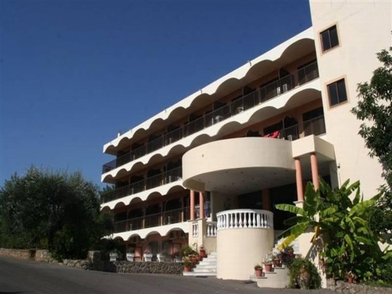 Holidays at Eliana Hotel in Dassia, Corfu