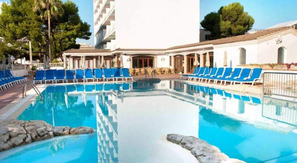 Holidays at Grupotel Farrutx Hotel in Ca'n Picafort, Majorca