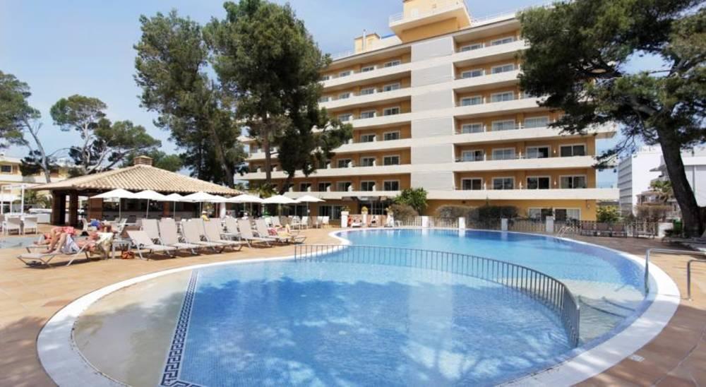 Holidays at Grupotel Montecarlo Hotel in Ca'n Picafort, Majorca