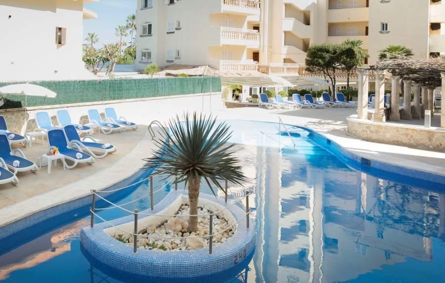 Holidays at Elegance Sol Y Mar Apartments in Cala Bona, Majorca