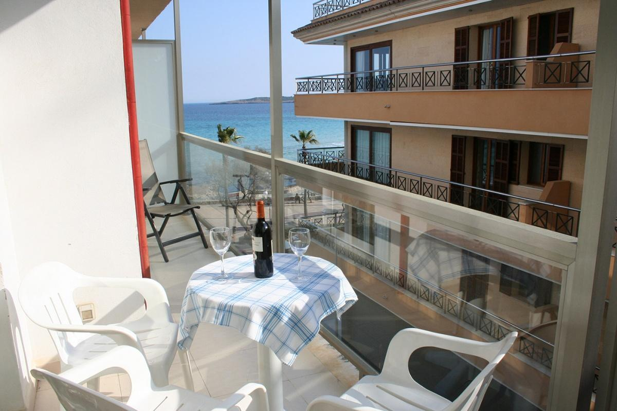 Holidays at Arcadia Apartments in Cala Millor, Majorca