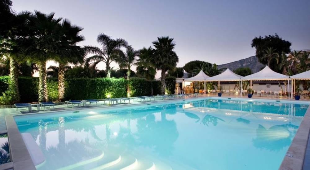 Holidays at Esperidi Resort Hotel in Sorrento, Neapolitan Riviera