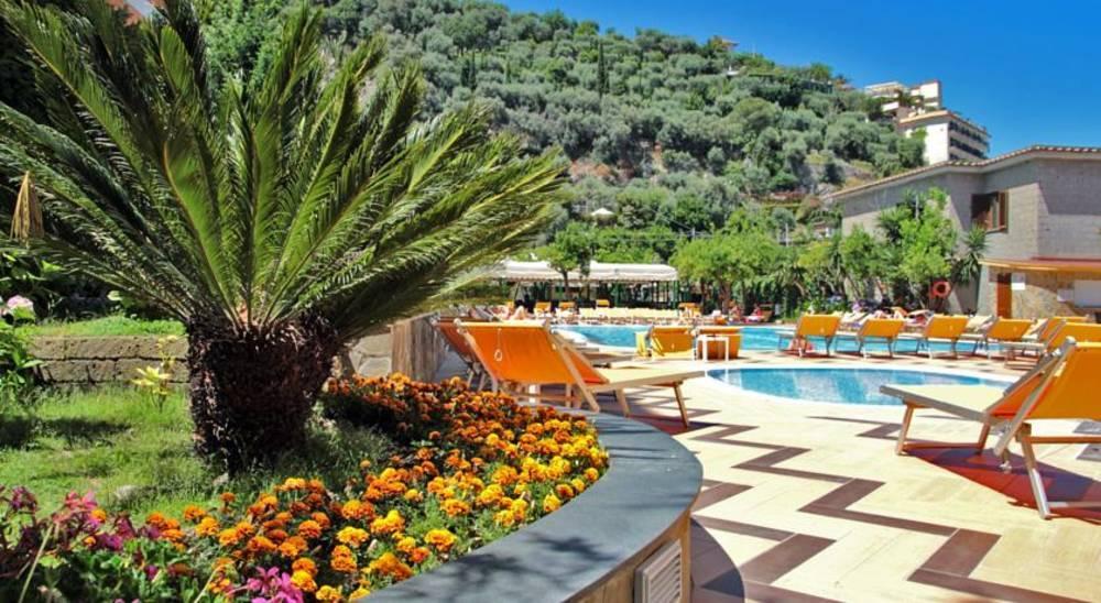 Holidays at Grand Hotel Parco del Sole in Sorrento, Neapolitan Riviera