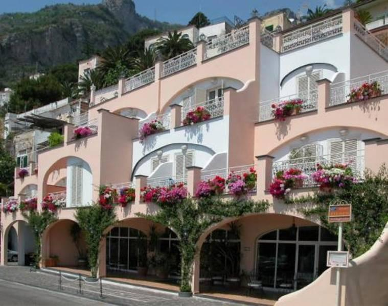 Holidays at Postiano Art Hotel Pasitea in Positano, Neapolitan Riviera