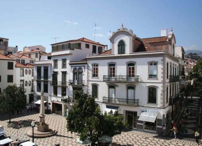 Holidays at Residencial Americana Hotel in Funchal, Madeira