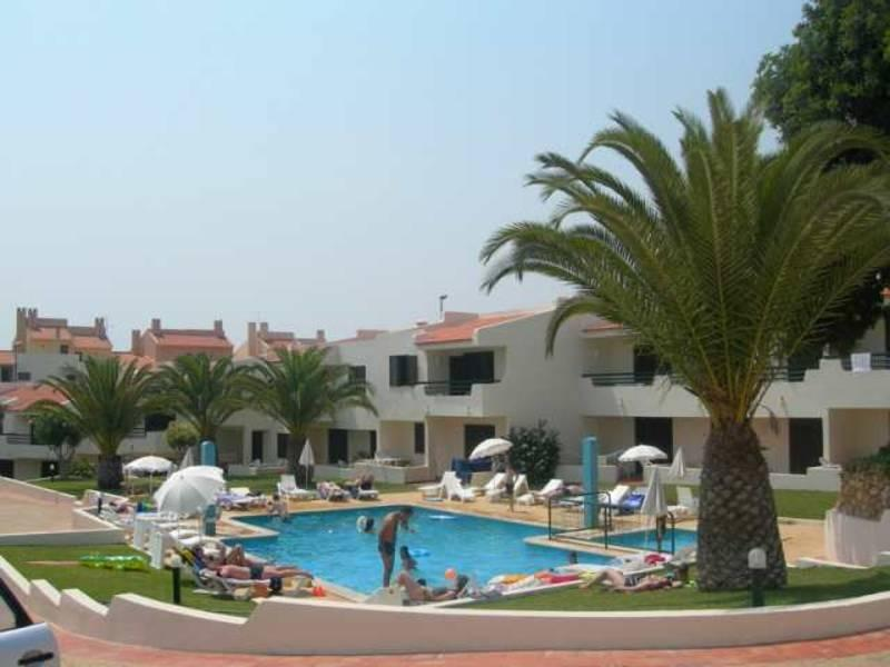 Holidays at Roca Belmonte Apartments in Albufeira, Algarve