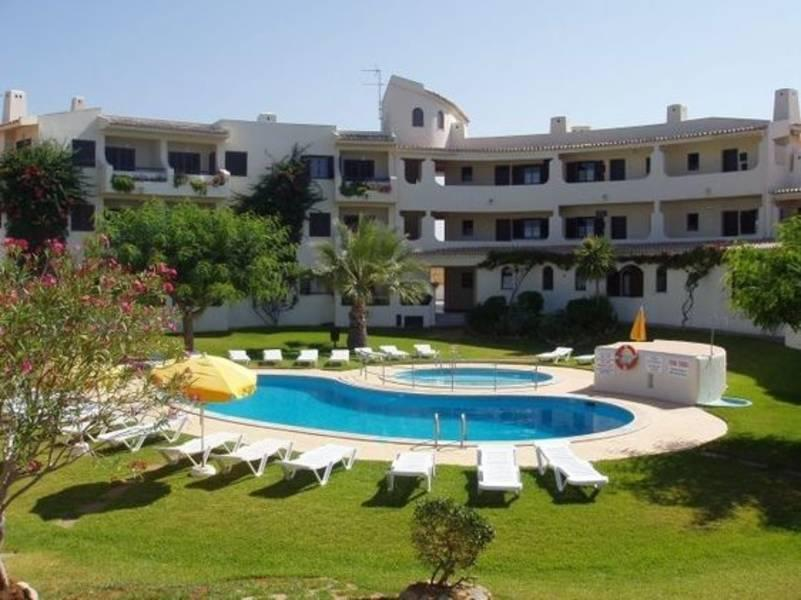Holidays at Clube Maria Luisa Apartments in Olhos de Agua, Albufeira