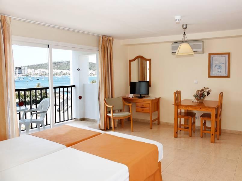 holidays at reco des sol ibiza aparthotel in san antonio bay ibiza