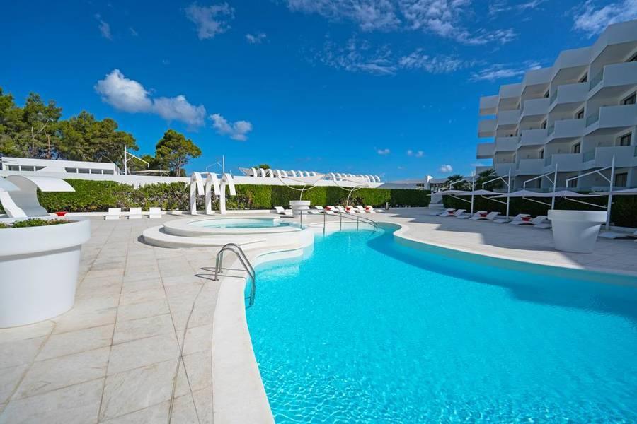 Holidays at THB Naeco Ibiza in San Antonio Bay, Ibiza