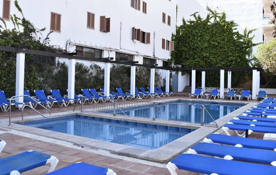 Holidays at Arcos Playa Apartments in S'Illot, Majorca