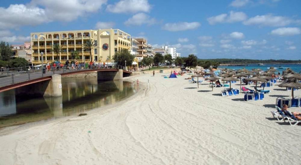 Holidays at Peymar Hotel in S'Illot, Majorca