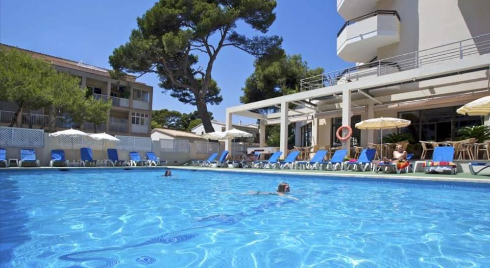 Holidays at Sabina Playa Hotel in Cala Millor, Majorca