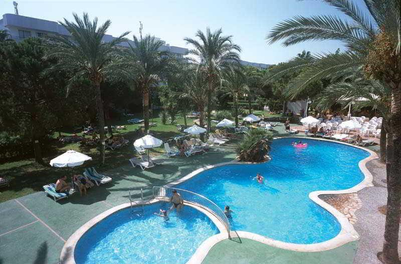 Holidays at Tropicana Hotel in Cala Millor, Majorca