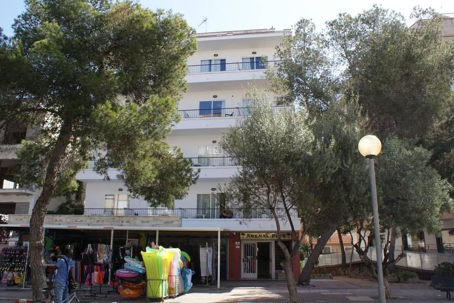 Holidays at Arenal Pins Hostel in El Arenal, Majorca
