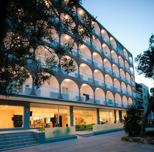 Holidays at Cassandra Hotel in El Arenal, Majorca