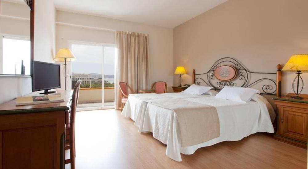 Holidays at Sunna Park Hotel in Paguera, Majorca