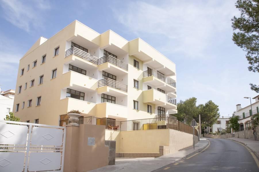 Holidays at Bonaire Paguera Apartments in Paguera, Majorca