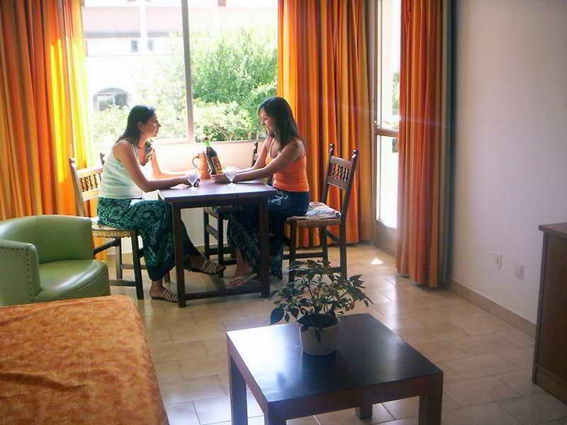 Promenade Panama Hotel