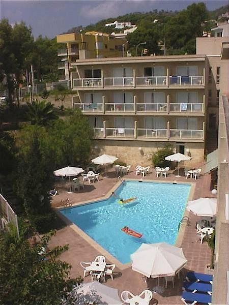 Holidays at Tora Hotel in Paguera, Majorca