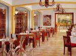 Restaurant in Castillo Son Vida Hotel