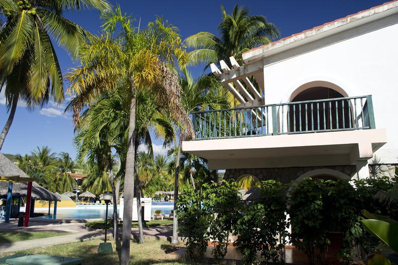Holidays at Club Amigo Carisol Los Corales Hotel in Santiago de Cuba, Cuba