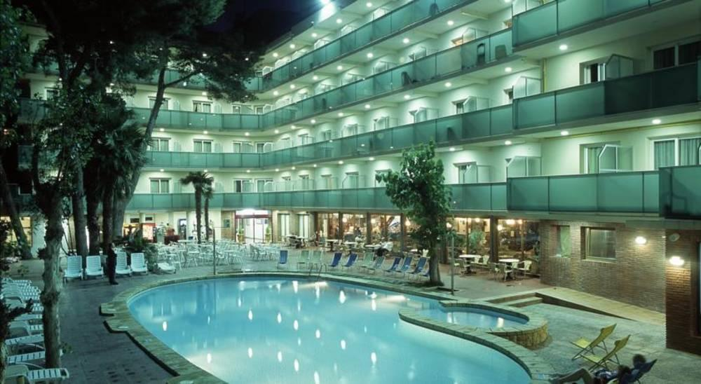 Holidays at Canada Palace Hotel in Calafell, Costa Dorada